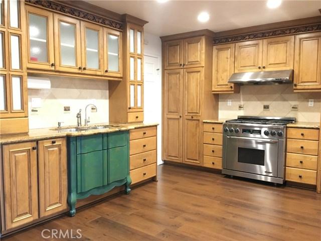 317 Amber Ridge Lane, Walnut CA: http://media.crmls.org/medias/86269e44-dae9-4973-a7d3-8838f9b646ca.jpg