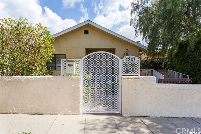 Single Family Home for Sale at 1247 25th Street 1247 25th Street Santa Monica, California 90404 United States