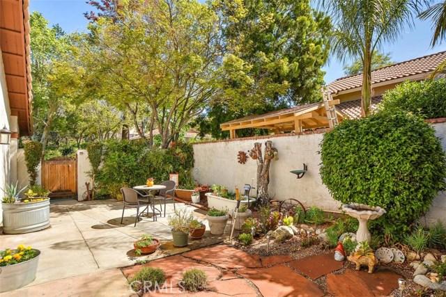 10425 Poplar Street, Rancho Cucamonga CA: http://media.crmls.org/medias/86356d9c-09f3-4ae1-96d0-561bb267e843.jpg