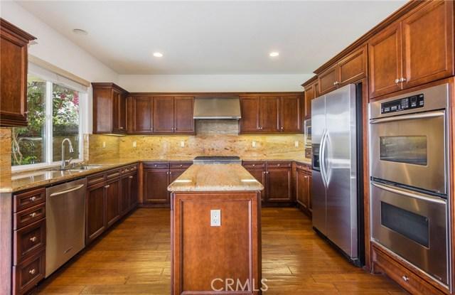640 Oak Tree Street, Fullerton CA: http://media.crmls.org/medias/86486906-67b0-49ec-ac72-7781b39d652d.jpg