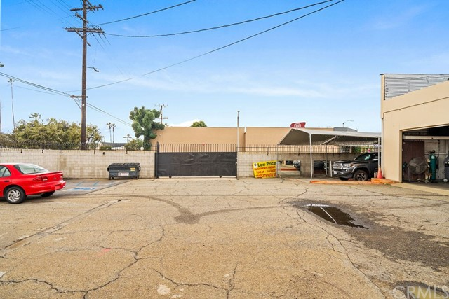 290 W Holt Avenue, Pomona CA: http://media.crmls.org/medias/864afeba-310e-4944-b477-d493087786ce.jpg