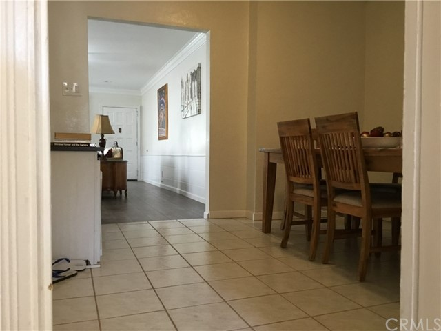 4302 Russell Avenue, Los Angeles CA: http://media.crmls.org/medias/865c74ca-05c2-4c66-a9e5-df2fd07948a7.jpg