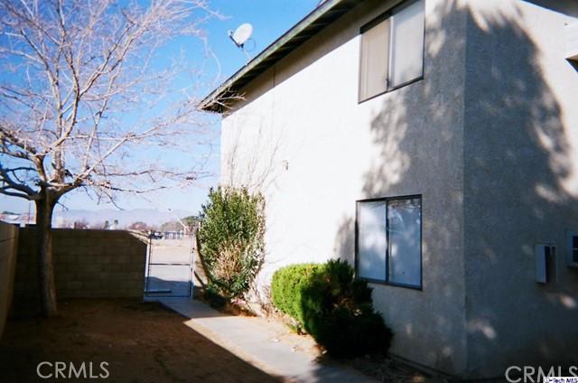20961 83rd Street, California City CA: http://media.crmls.org/medias/86781e7f-1b63-4146-8db8-c2c76d10c3f3.jpg