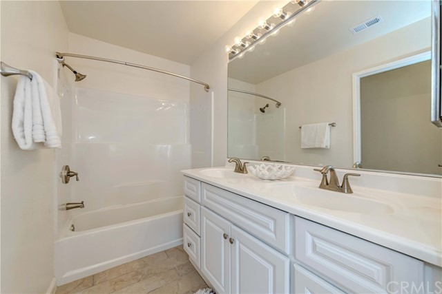 2800 Plaza Del Amo, Torrance, California 90503, 2 Bedrooms Bedrooms, ,2 BathroomsBathrooms,Condominium,For Sale,Plaza Del Amo,PW21029844
