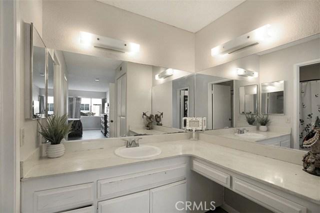 1727 Melrose Avenue, Chula Vista CA: http://media.crmls.org/medias/868608f7-88fd-47bd-b773-14e46ee54f38.jpg