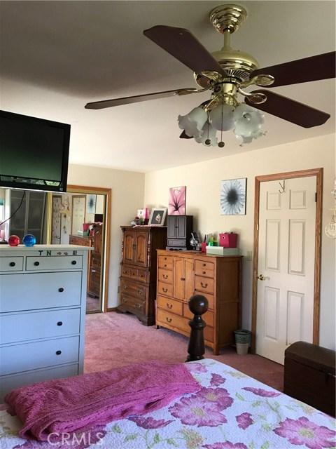 39900 LAKEVIEW Drive, Big Bear CA: http://media.crmls.org/medias/86899d77-db39-412c-92fc-ceb40dd273cf.jpg