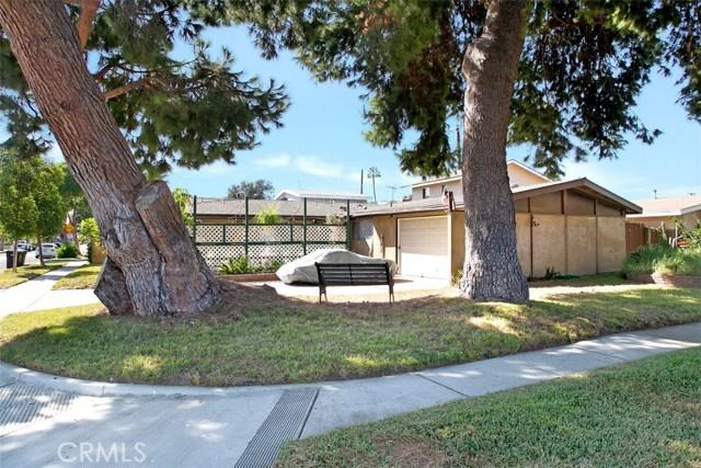 918 S Elliott Place, Santa Ana CA: http://media.crmls.org/medias/8690ad30-fd8d-45b6-82db-ea0a71b0762b.jpg