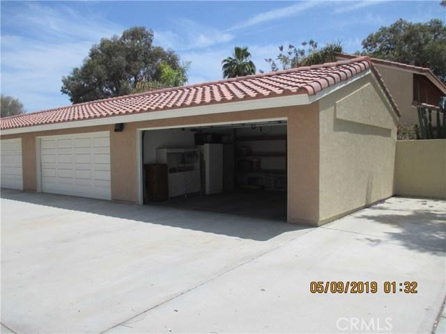 412 Tava Lane, Palm Desert CA: http://media.crmls.org/medias/8691dd64-8377-4423-8c56-ea85934d73f2.jpg