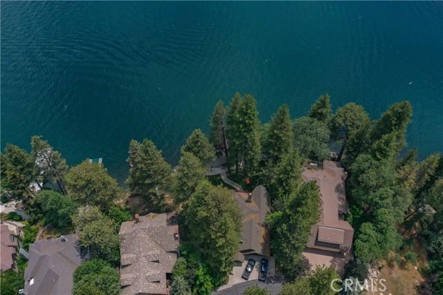 27433 N Bay Road, Lake Arrowhead CA: http://media.crmls.org/medias/86953511-449e-46d7-b7e4-27eb98bf8888.jpg