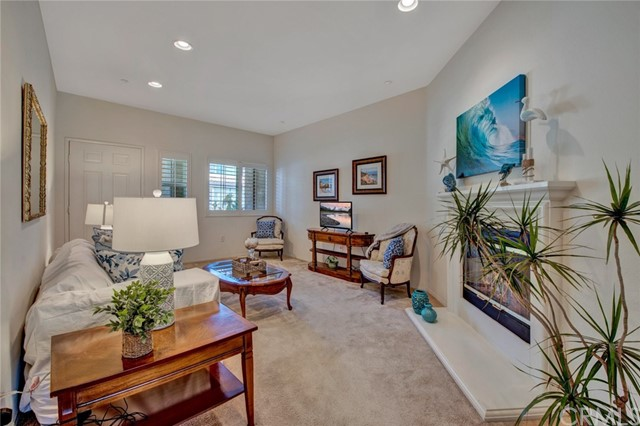 17772 Independence Lane, Fountain Valley CA: http://media.crmls.org/medias/869a87ba-7551-4243-a26f-0620dbfcca8e.jpg