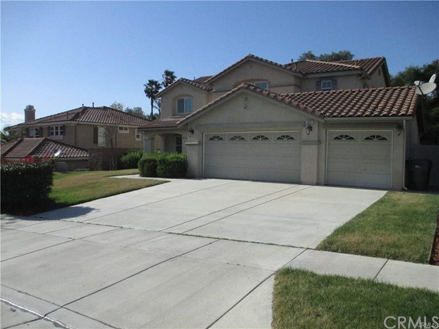 Property for sale at 2421 Lenai Circle, Corona,  CA 92879