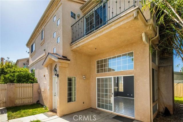 15616 Freeman Avenue, Lawndale, California 90260, 3 Bedrooms Bedrooms, ,2 BathroomsBathrooms,Townhouse,For Sale,Freeman,SB19114113