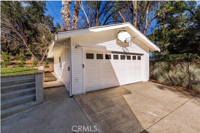 2820 Rumsey Drive, Riverside CA: http://media.crmls.org/medias/86a8916c-14b6-4054-a5b5-b06475109ff4.jpg