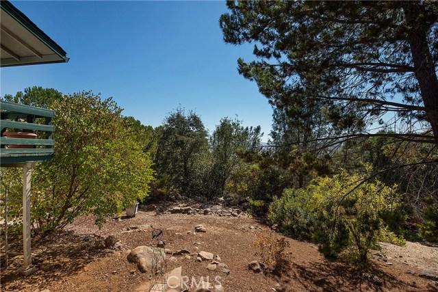 18245 Boxwood Court, Hidden Valley Lake CA: http://media.crmls.org/medias/86a98fca-c566-4708-8ea2-1c3eb844b006.jpg