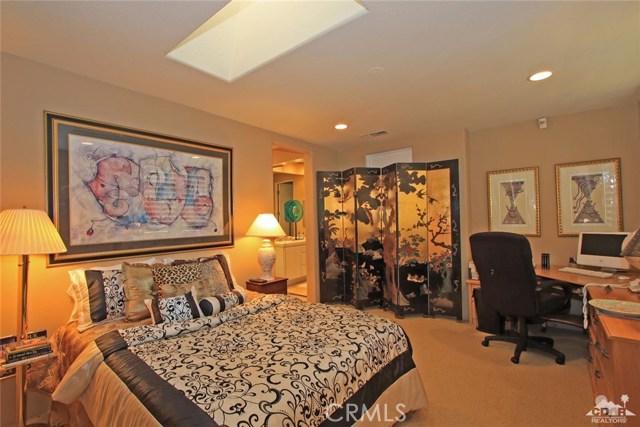 104 Loch Lomond Road, Rancho Mirage CA: http://media.crmls.org/medias/86b27327-077c-4a8f-a89b-7207836eee7c.jpg