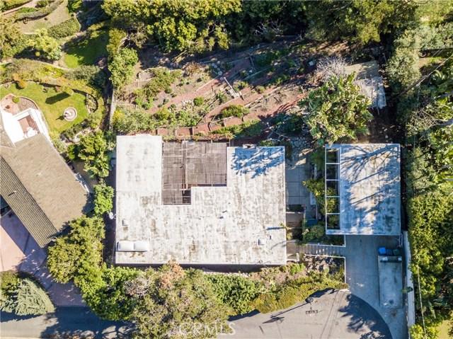 1190 Duncan Drive, Manhattan Beach CA: http://media.crmls.org/medias/86b4813a-216b-4486-93f5-b1d29d577999.jpg