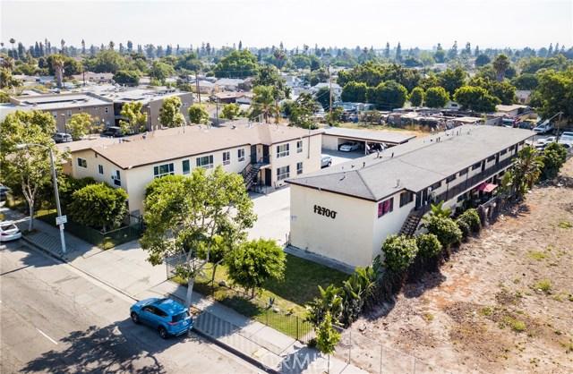 12624 S Wilmington Avenue, Los Angeles CA: http://media.crmls.org/medias/86b4e58d-e9ed-4a3c-8cf6-24c16fd2ca62.jpg