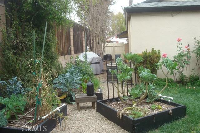 2455 Cambridge Avenue, Fullerton CA: http://media.crmls.org/medias/86c22392-e1b9-427f-84bd-362a3fb3044a.jpg
