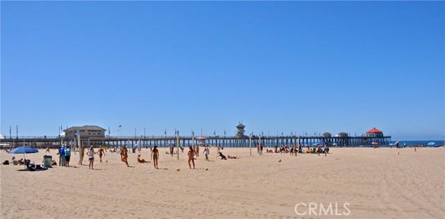 19072 Oceanport Lane, Huntington Beach CA: http://media.crmls.org/medias/86ca561f-69e8-4a03-ab14-71300d1e082b.jpg