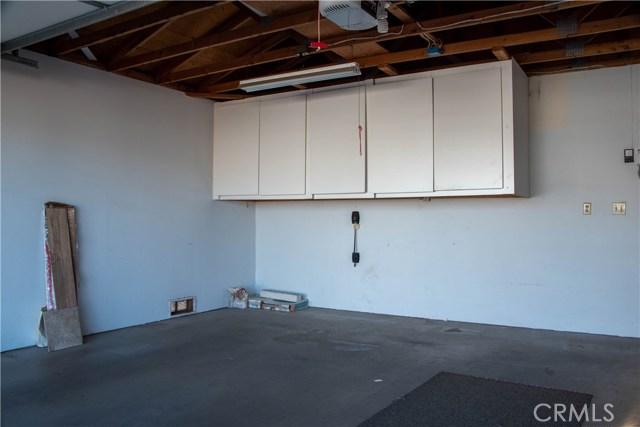 946 N White Dove Drive, Santa Maria CA: http://media.crmls.org/medias/86d15696-a133-4a58-b4aa-f9c984a3cebf.jpg