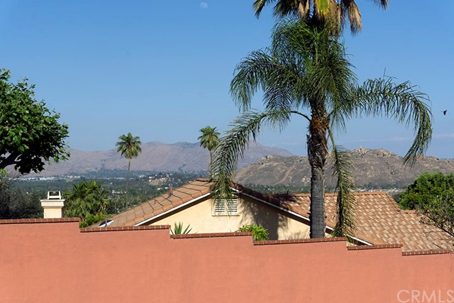 4299 Estrada Drive Jurupa Valley, CA 92509 - MLS #: CV18124665