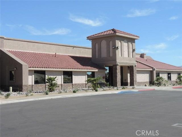 13745 Spring Valley, Victorville CA: http://media.crmls.org/medias/86da9fa9-4f80-4415-947e-610a1d13f5b6.jpg