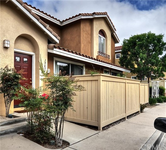 19654   Orviento Drive   , CA 92679 is listed for sale as MLS Listing OC15162766