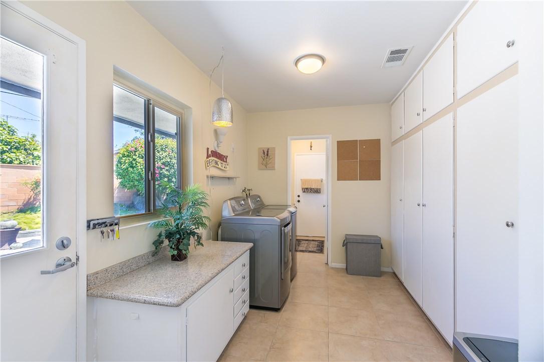 2550 W Rowland Av, Anaheim, CA 92804 Photo 10
