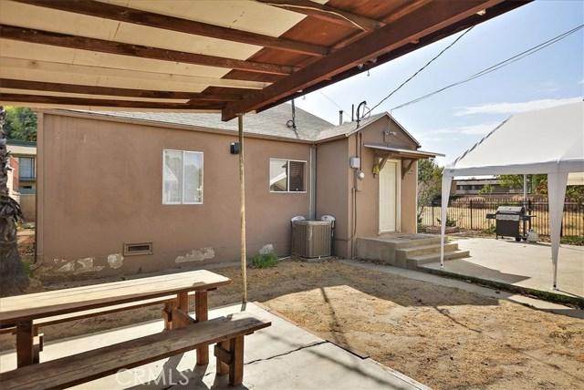 3878 Skofstad Street, Riverside CA: http://media.crmls.org/medias/8712d318-5ddb-4347-850c-eb86c10b0f2e.jpg