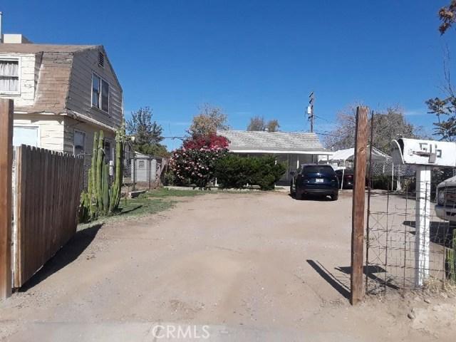 516 Jeffrey Street, Bakersfield CA: http://media.crmls.org/medias/871a87c0-40b5-4af6-b18a-6e53652d5081.jpg
