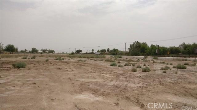 1596 US Highway 86, El Centro CA: http://media.crmls.org/medias/8723dfb9-db23-4175-9be7-5291f9eb98f3.jpg
