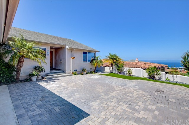 118 Via Pasqual, Redondo Beach, California 90277, 4 Bedrooms Bedrooms, ,4 BathroomsBathrooms,Single family residence,For Sale,Via Pasqual,SB19199630