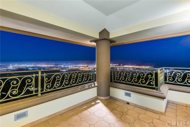 3324 Crownview Drive, Rancho Palos Verdes CA: http://media.crmls.org/medias/87604079-3a14-49c3-9dba-9e81dc98ecab.jpg