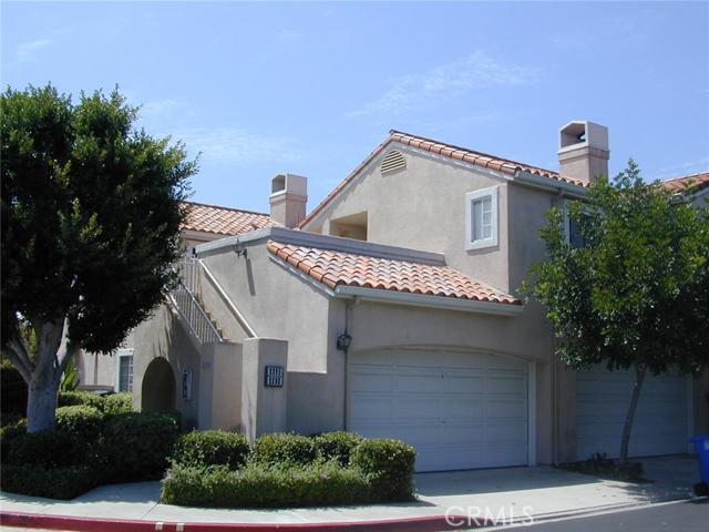 Condominium for Sale at 2395 Paseo Circulo St Tustin, California 92782 United States