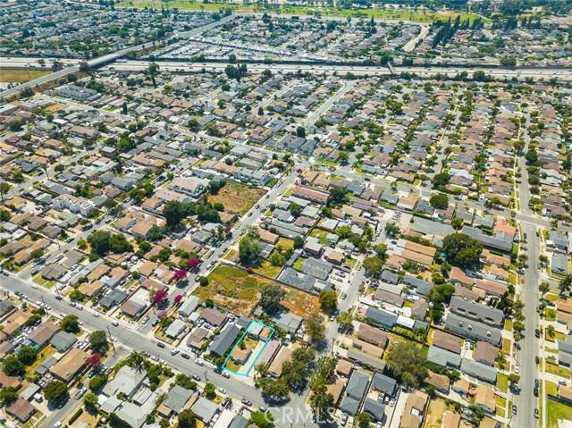20609 Alburtis Avenue, Lakewood CA: http://media.crmls.org/medias/8769ca41-a500-409a-8338-2897a44ee08f.jpg
