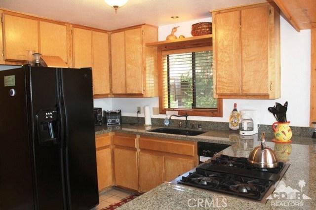 23076 Oak Leaf Lane, Idyllwild CA: http://media.crmls.org/medias/876abfff-6f98-4a5f-99c3-d8ac977af3b1.jpg
