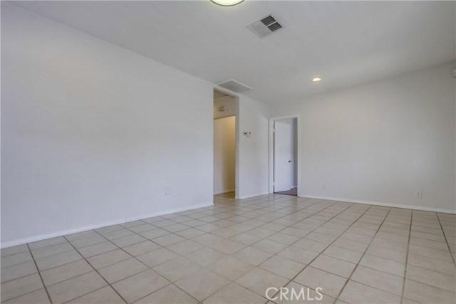130 W Lewis, San Diego CA: http://media.crmls.org/medias/878da1b3-a009-4d92-92f9-bdd878f98ce1.jpg