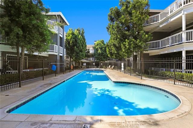 10371 Garden Grove Boulevard, Garden Grove CA: http://media.crmls.org/medias/879aea94-fdad-4c18-a5e0-06a6c8db72b4.jpg