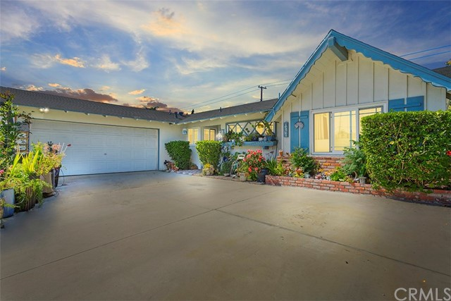 1567 W Beacon Avenue Anaheim, CA 92802 is listed for sale as MLS Listing SW18095314
