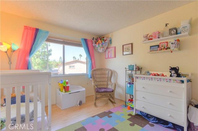 1198 Border Avenue, Corona CA: http://media.crmls.org/medias/87b5453a-8d2f-4b8a-8428-82d66c7b5a4d.jpg