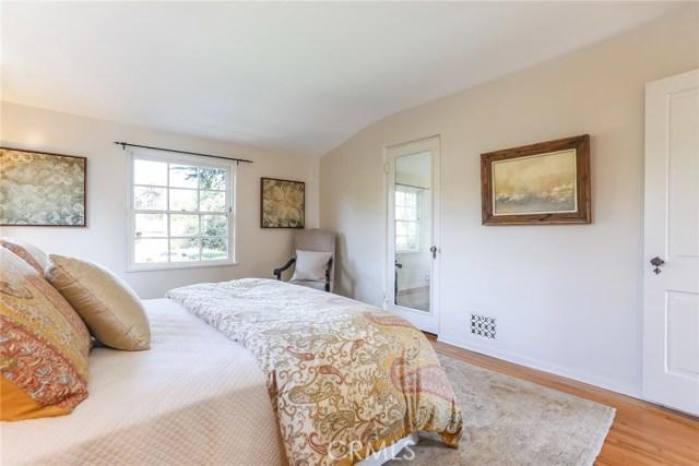 1661 La Cresta Drive, Pasadena CA: http://media.crmls.org/medias/87cea912-a42f-4531-8c18-5091c108f25b.jpg