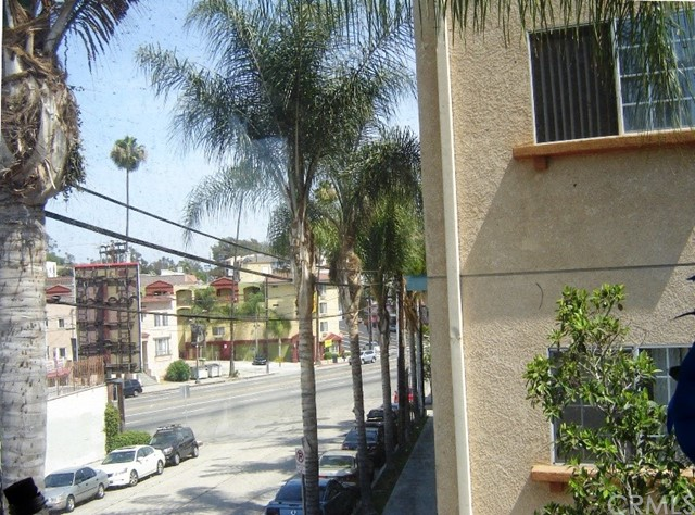 1380 Allison Av, Los Angeles, CA 90026 Photo 2