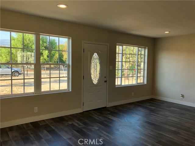 2281 W 2nd Avenue, San Bernardino CA: http://media.crmls.org/medias/87e561cb-3edf-4c57-ae59-9ddfe2ad55d3.jpg