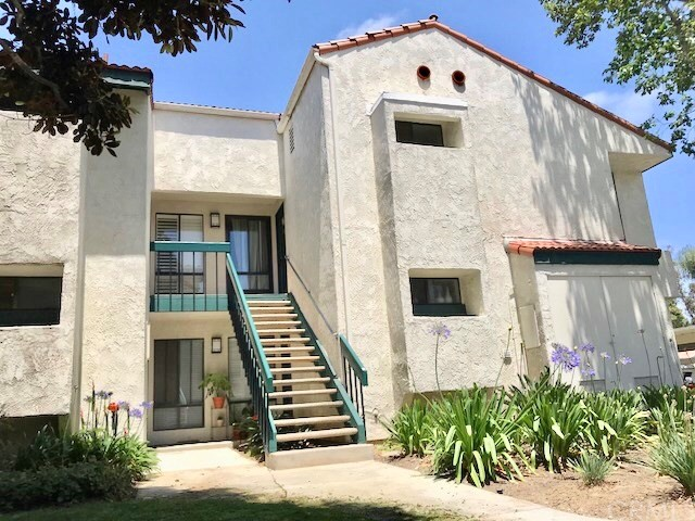 215 Wichita Avenue Unit 206 Huntington Beach, CA 92648 - MLS #: OC18112709