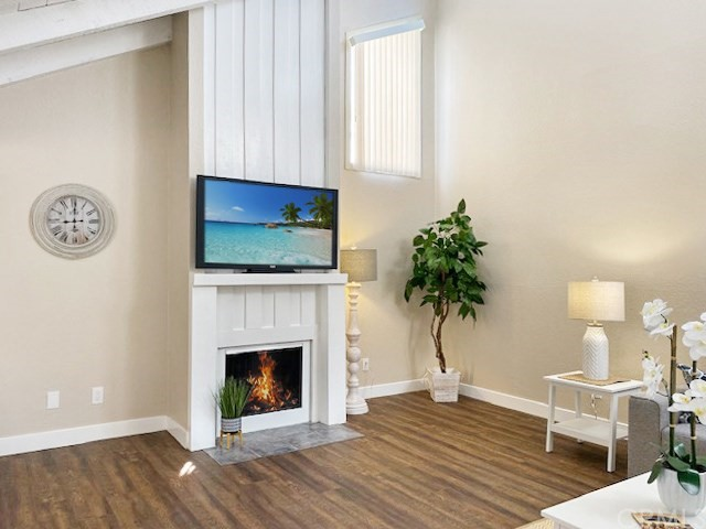 Detail Gallery Image 1 of 1 For 1807 Alabama St, Huntington Beach, CA 92648 - 3 Beds | 2 Baths