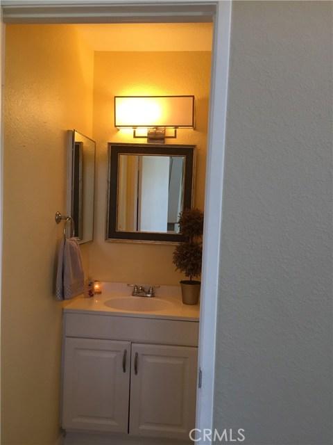 5193 Sierra Cross Way, Riverside CA: http://media.crmls.org/medias/87ed8284-fee1-4c18-b7c7-c176c49f86ea.jpg
