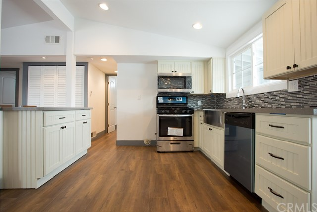 709 S Dorchester Street, Anaheim CA: http://media.crmls.org/medias/87f45c95-bedb-4361-9bab-ac7ea73080ec.jpg