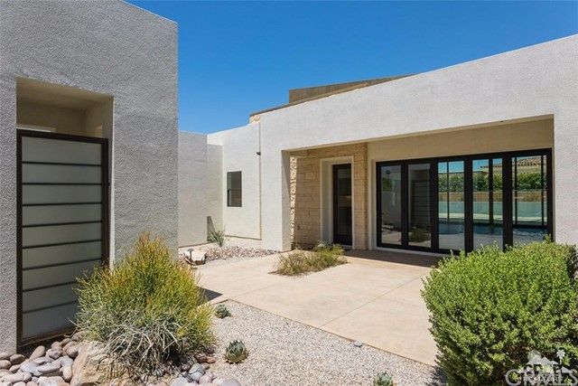 16 Sapphire Lane, Rancho Mirage CA: http://media.crmls.org/medias/88039dab-5489-49e3-9ec6-45dcf482921c.jpg