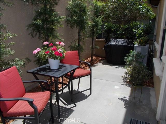 181 Pathway, Irvine CA: http://media.crmls.org/medias/8806a865-896d-4cb0-944e-f254487b3993.jpg