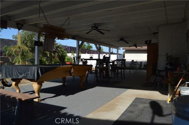 25474 Gentian Avenue, Moreno Valley CA: http://media.crmls.org/medias/8808b5ca-bb55-445f-8328-3119142a9d92.jpg
